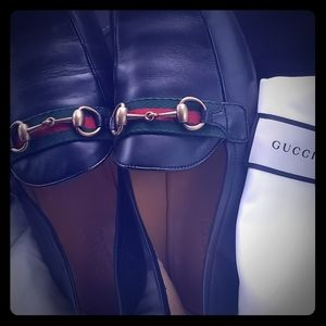 Gucci(authentic) formal shoes size 91/2 like new